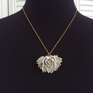 Gold Statement Rose Short Necklace
